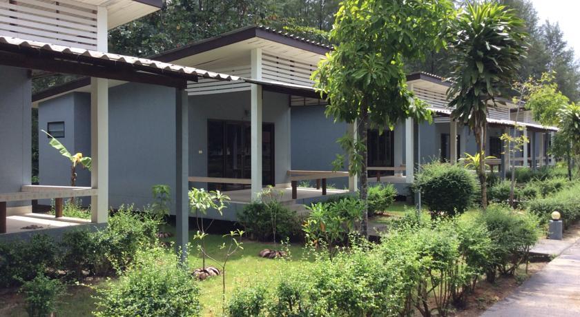 cousin koh kho khao bungalow 2