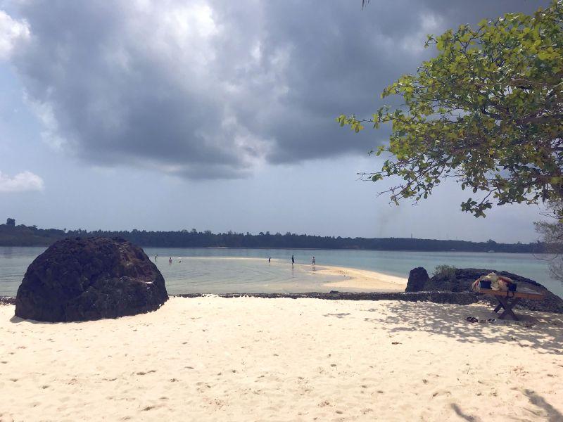 Sandbank-Spaziergang auf Koh Kham