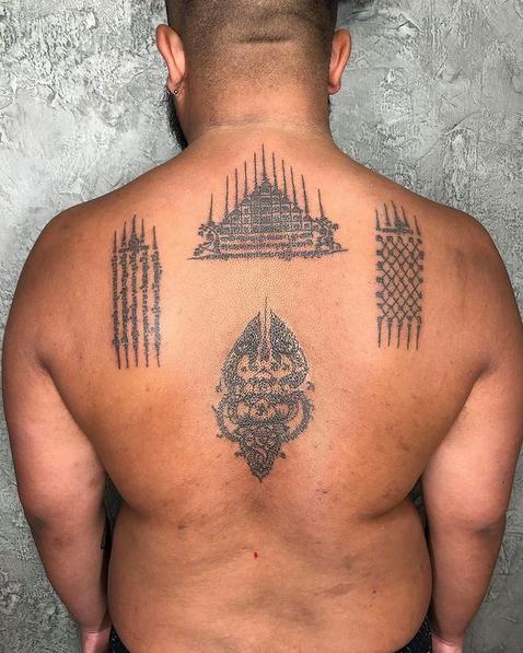 Sak Yant Tattoo Rücken